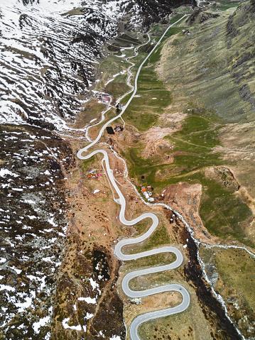 Hairpin Curve「aerial view of the julierpass in switzerland」:スマホ壁紙(13)
