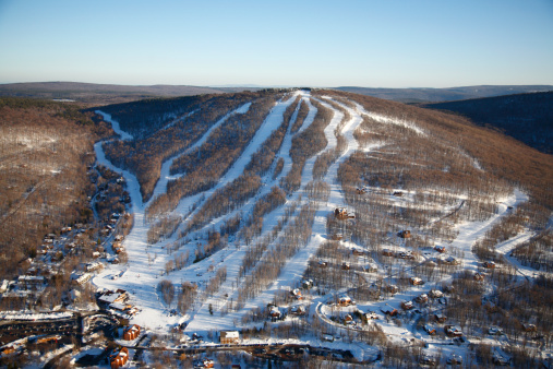 Ski Resort「Aerial view of a ski resort in Canaan Valley, West Virginia.」:スマホ壁紙(17)