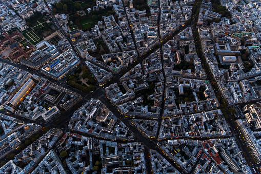 Urban Road「Aerial view looking down at buildings in Paris France」:スマホ壁紙(7)