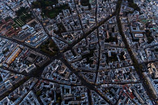 Development「Aerial view looking down at buildings in Paris France」:スマホ壁紙(18)