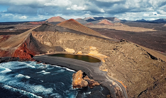 Lava「Aerial view of Volcanic Lake El Golfo, Lanzarote, Canary Islands, Spain」:スマホ壁紙(18)