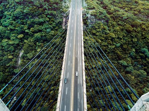 静かな情景「橋の空撮」:スマホ壁紙(19)
