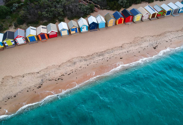 Aerial view of beach huts on Brighton Beach, Melbourne, Victoria, Australia:スマホ壁紙(壁紙.com)