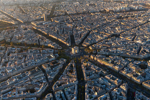 Place Charles-de-Gaulle - Paris「Aerial view of Arc de Triomphe in Paris France at sunset」:スマホ壁紙(19)