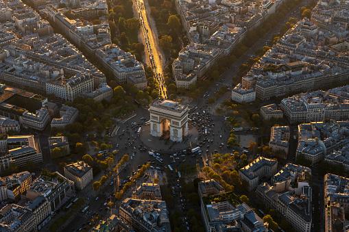 Place Charles-de-Gaulle - Paris「Aerial view of Arc de Triomphe in Paris France at sunset」:スマホ壁紙(14)