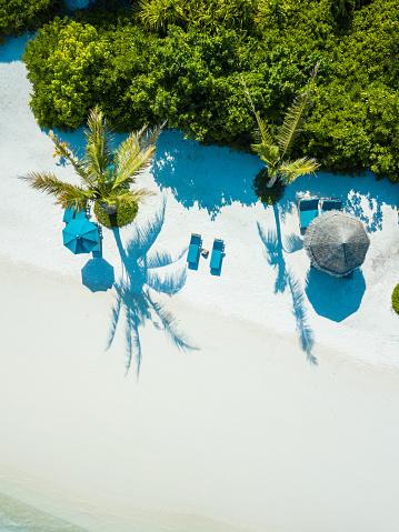 島「キャナリーフリゾート・モルディブ、Herathera 島、アッドゥ環礁の空中風景」:スマホ壁紙(1)