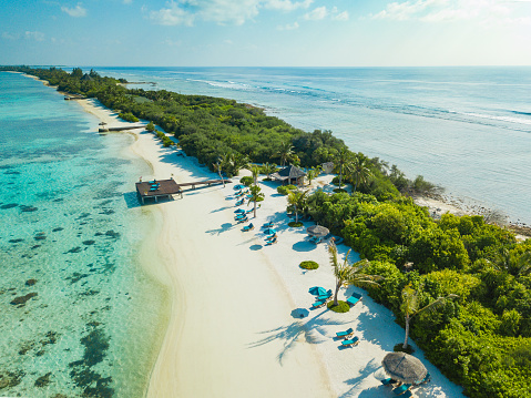 Maldives「Aerial view of Canareef Resort Maldives, Herathera island, Addu atoll」:スマホ壁紙(9)