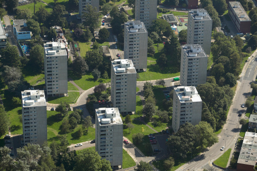 Housing Project「Aerial View of Apartments Blocks on a Council Estate, London, England」:スマホ壁紙(11)