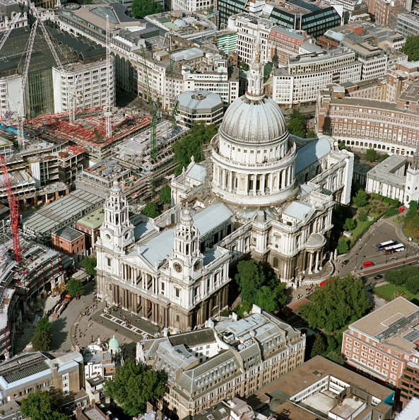 Anglican「Aerial view of St Paul's Cathedral, City of London, c2000s(?)」:写真・画像(18)[壁紙.com]