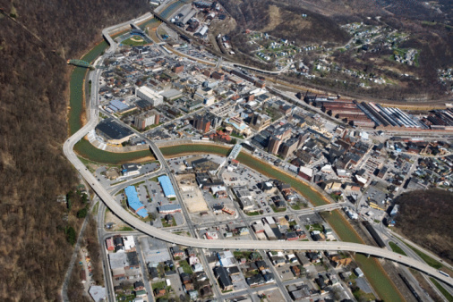 Pennsylvania「Aerial view of Johnstown, Pennsylvania」:スマホ壁紙(0)