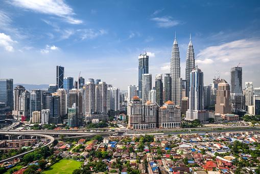 Kuala Lumpur「Aerial View of Kuala Lumpur Skyline」:スマホ壁紙(3)