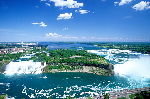 American Falls「Aerial view of Niagara Falls and American Falls on both the Canadian side and the American Side showing Lake Erie.」:スマホ壁紙(4)