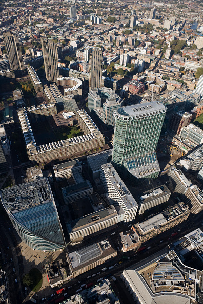 High Angle View「Aerial view of Citypoint & Barbican Centre, London」:写真・画像(11)[壁紙.com]