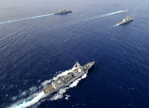 Military Ship「Aerial view of a naval fleet transiting the Pacific Ocean.」:スマホ壁紙(19)