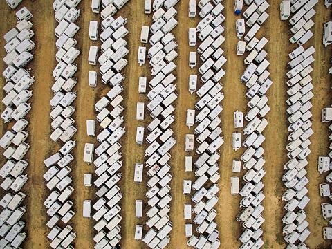 Used Car Selling「Aerial view of caravans」:スマホ壁紙(15)