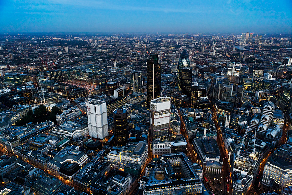 Construction Site「Aerial view of City of London skyline at night, UK」:写真・画像(12)[壁紙.com]