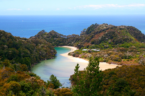 UNESCO「Aerial view of Idyllic Abel Tasman bay landscape, Tasman and Golden bay from above, South New Zealand panorama」:スマホ壁紙(1)