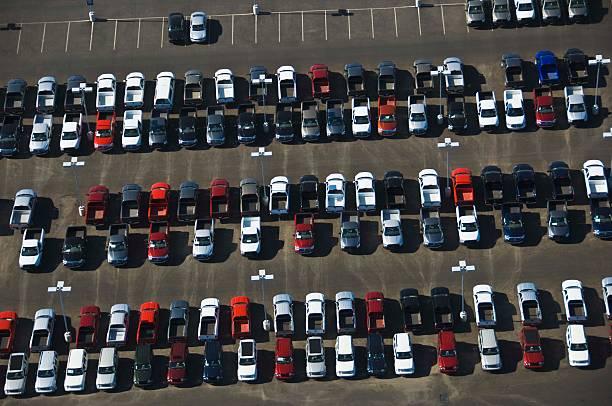 Aerial view of parking lot:スマホ壁紙(壁紙.com)