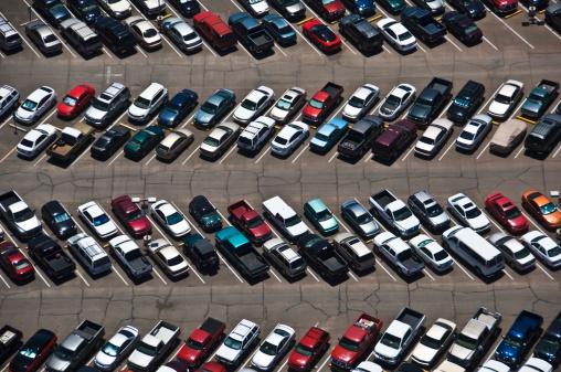 Car Dealership「Aerial view of parking lot」:スマホ壁紙(15)