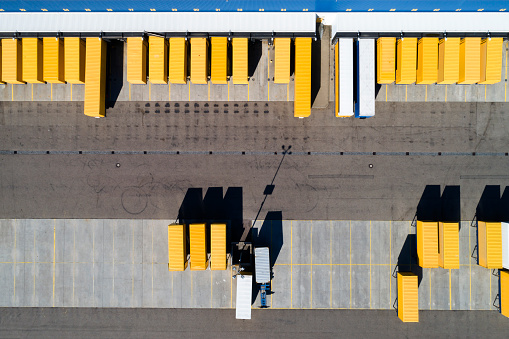 Freight Transportation「Aerial View of Cargo Containers and Distribution Warehouse」:スマホ壁紙(8)