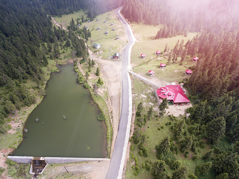 LOVE「湖と山の空撮」:スマホ壁紙(10)