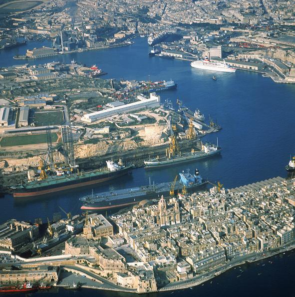 Ferry「Aerial view of town of Senglea, Grand Harbour, City of La Valletta, Malta」:写真・画像(9)[壁紙.com]