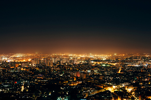 France「Aerial view over Paris skyline at night」:スマホ壁紙(5)