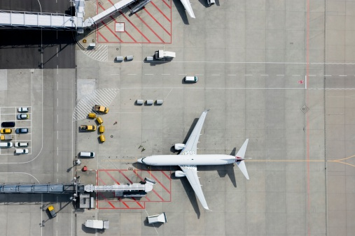 Passenger Boarding Bridge「Aerial view of airplane」:スマホ壁紙(2)