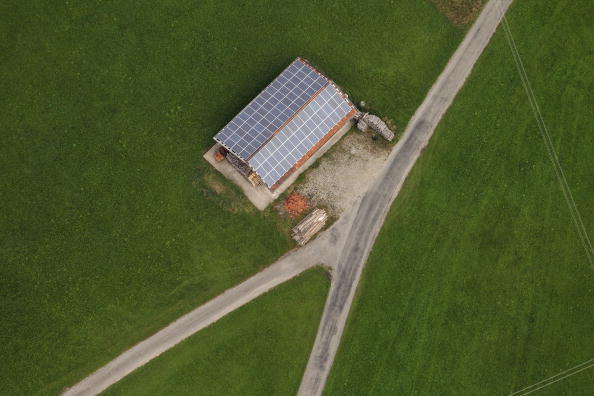 Rooftop「Aerial Views Of Solar Power Plant In Peiting」:写真・画像(18)[壁紙.com]