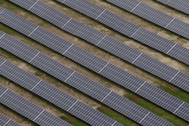 Aerial Views Of Solar Power Plant In Peiting:ニュース(壁紙.com)