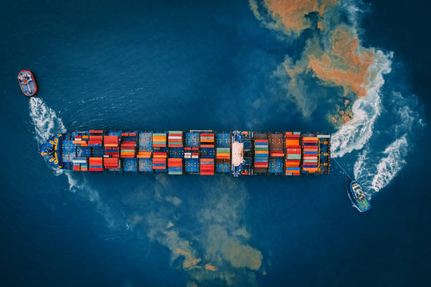 Aerial view of cargo ship, cargo container in warehouse harbor.:スマホ壁紙(壁紙.com)