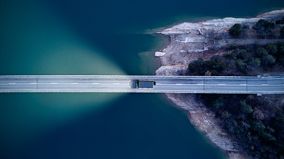 River「Aerial View of road above a lake」:スマホ壁紙(11)
