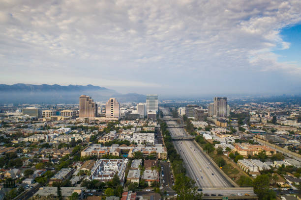Aerial View of Downtown Glendale and 134 Freeway:スマホ壁紙(壁紙.com)