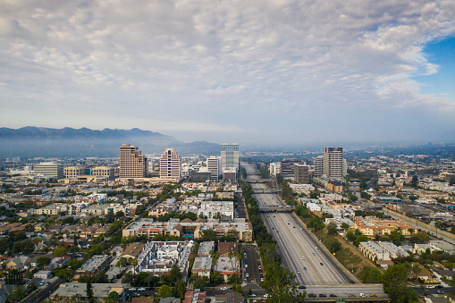 Multiple Lane Highway「Aerial View of Downtown Glendale and 134 Freeway」:スマホ壁紙(17)