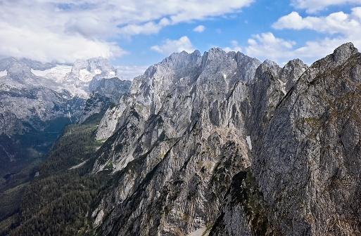 Salzkammergut「Aerial view of Gosaukamm and Dachstein massif, Gosau lake in Salzkammergut, Upper Austria」:スマホ壁紙(9)