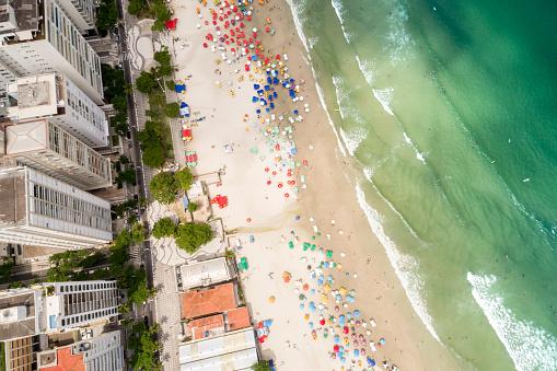Unrecognizable Person「Aerial View of Guaruja Beach in Sao Paulo, Brazil」:スマホ壁紙(4)