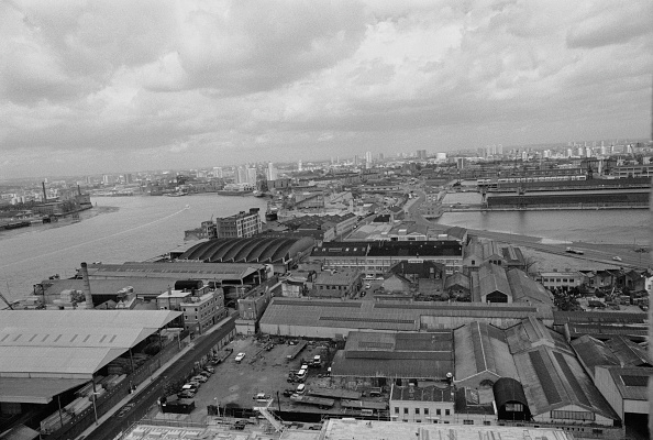 Finance and Economy「London Docklands」:写真・画像(12)[壁紙.com]