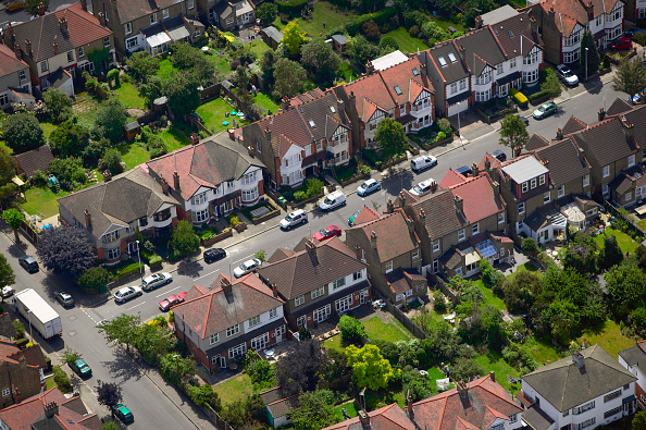 Grass「Aerial view of East London suburb, Thames Gateway, London UK」:写真・画像(6)[壁紙.com]