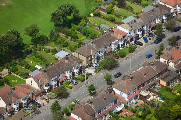 Grass「Aerial view of East London suburb, Thames Gateway, London UK」:写真・画像(17)[壁紙.com]