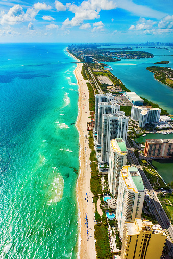 Miami「Aerial View of the North Miami Beach Florida Coastline」:スマホ壁紙(8)