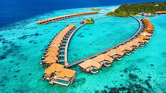Indian Ocean「Aerial View of Luxury Resort in Maldives」:スマホ壁紙(4)