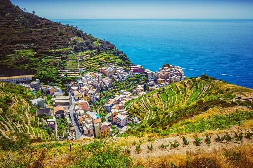 Manarola「Aerial view of Manarola. Cinque Terre. Liguria. Italy」:スマホ壁紙(12)