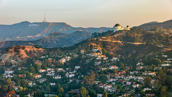Hollywood - California「Aerial view of Griffith Observatory with the Hollywood Sign seen in the distance」:スマホ壁紙(9)