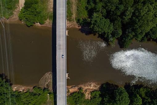 River「Aerial View of a Concrete Bridge over the Cape Fear River」:スマホ壁紙(10)
