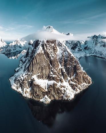 ノルウェー「ノルウェーのレーヌの風景の空撮」:スマホ壁紙(12)