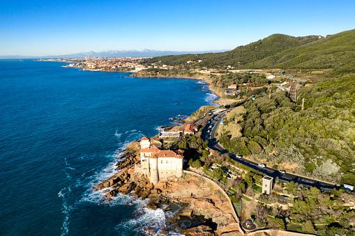 Rock Music「Aerial view of coastal road in Tuscany, Italy」:スマホ壁紙(12)