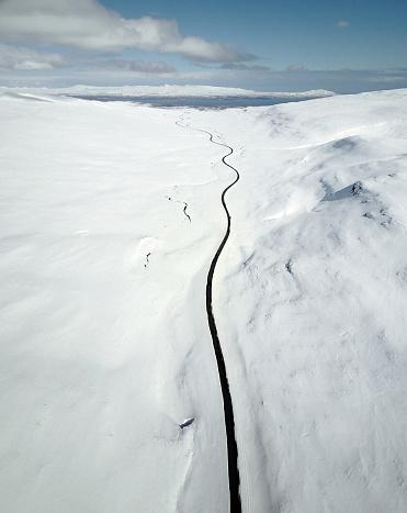 雪山「westfjord - アイスランドの雪の道の眺め」:スマホ壁紙(7)