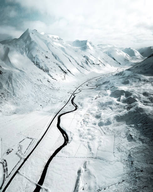 aerial view of a snowed road in westfjord - iceland:スマホ壁紙(壁紙.com)