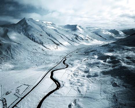 1980-1989「aerial view of a snowed road in westfjord - iceland」:スマホ壁紙(12)
