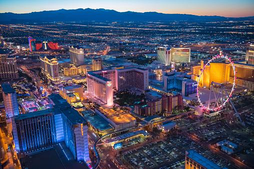 Weekend Activities「Aerial view of illuminated cityscape, Las Vegas, Nevada, United States, 」:スマホ壁紙(13)